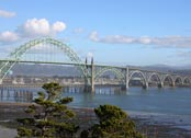 Yaquina Bay Bridge (credit: Neil Howard)