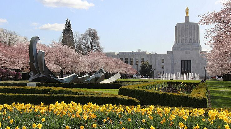 Photo of Oregon capitol building, Salem
