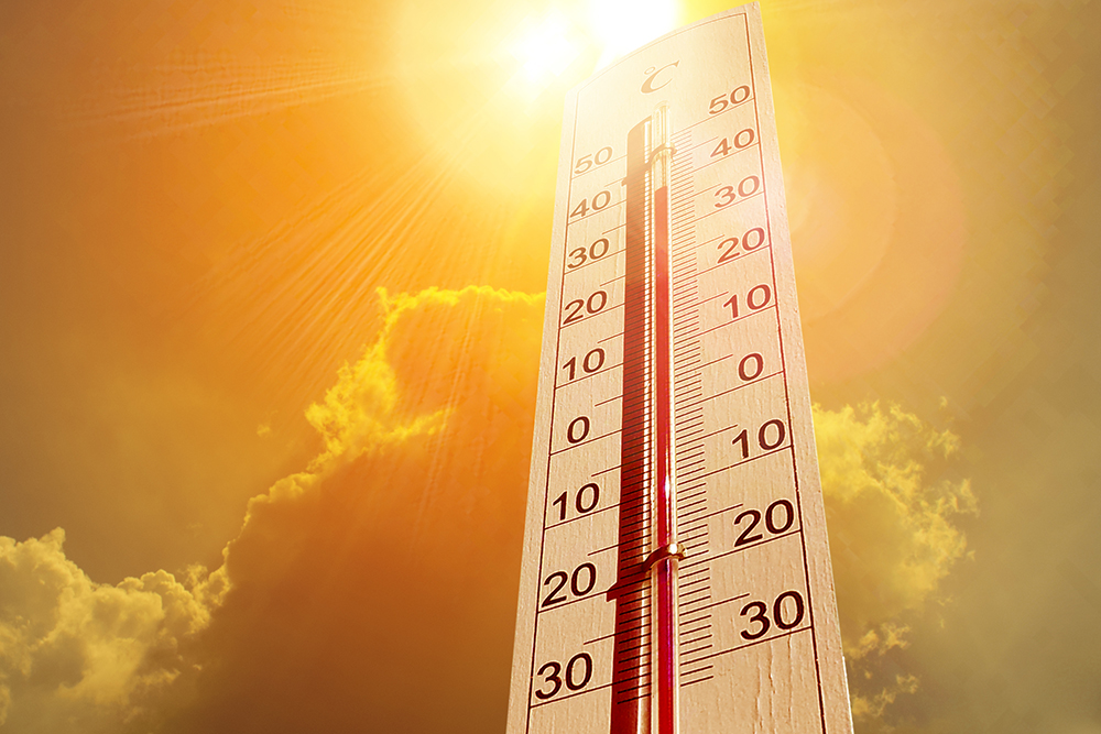 hot sun and thermometer