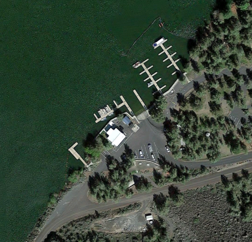 Pelton Park Marina on Lake Simtustus