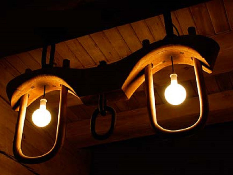 Light fixture made from an oxen yoke in the historic Timberline Lodge (Oregon State Archives Photo).