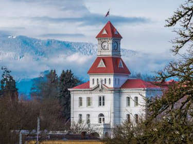 Photo: Benton Co. Courthouse, Corvallis, Oregon. Copyright: Mark Newsome, scenesaroundoregon.com